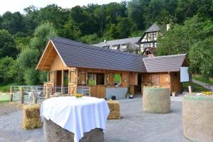 Heiligabendgottesdienst für Familien @ Wald- und Tierkindergarten Seehaus | Leonberg | Baden-Württemberg | Deutschland
